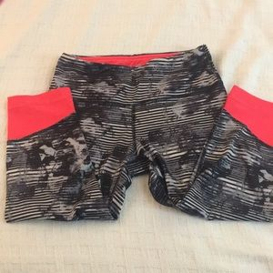 90*Degree crop pants Sz XS. Blk stripes & coral